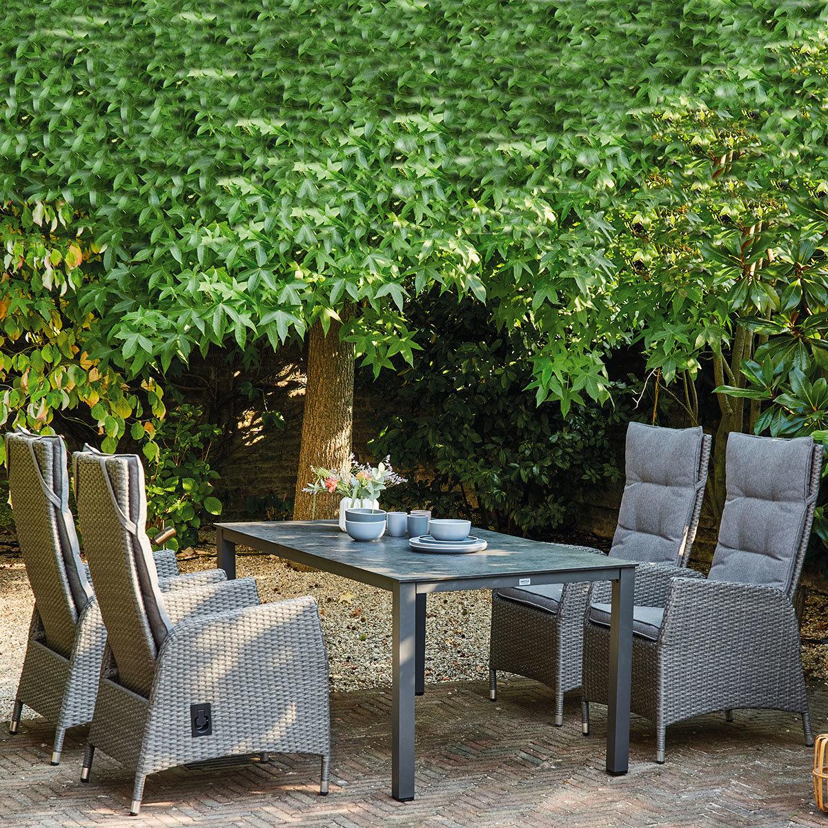 Gartenmöbel-Set Padova mit 4 Dining-Sesseln (mit Kissen) und 1 Loft-Tisch