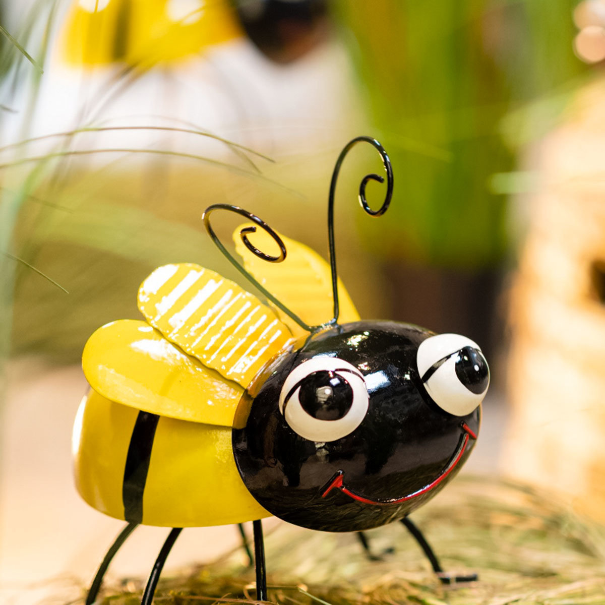 Biene Berta und Bruno, stehend, Metall
