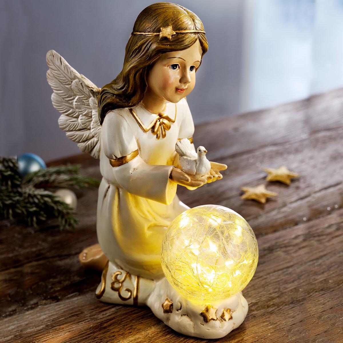 Engel Elisa mit Kugelleuchte