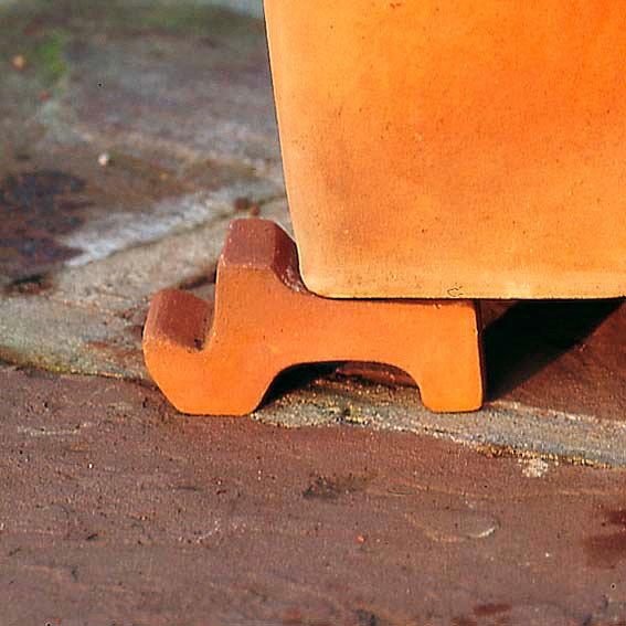 Terracotta-Kübelfuß, Treppenfuß