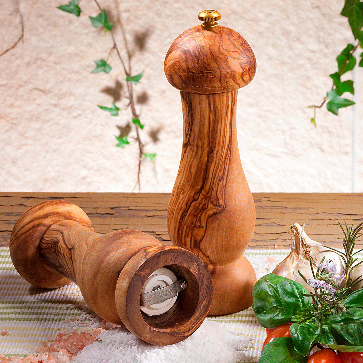 Olivenholz-Salzmühle mit Keramik-Mahlwerk