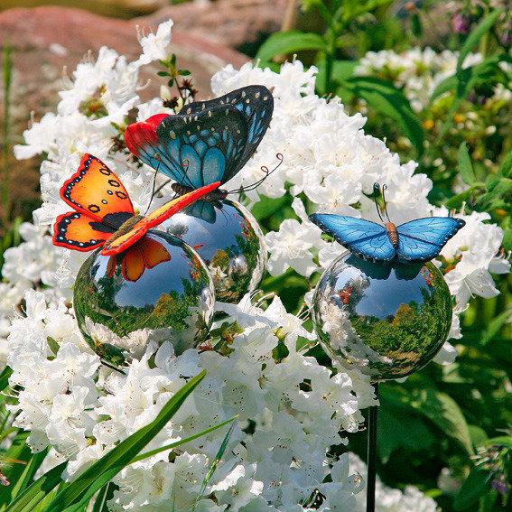 Gartenstecker Schmetterlinge auf Silberkugeln