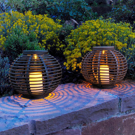 solar led outdoor rattan leuchte bali rund von g rtner. Black Bedroom Furniture Sets. Home Design Ideas