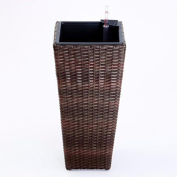 outdoor rattan pflanzs ule mit bew sserungssystem von. Black Bedroom Furniture Sets. Home Design Ideas