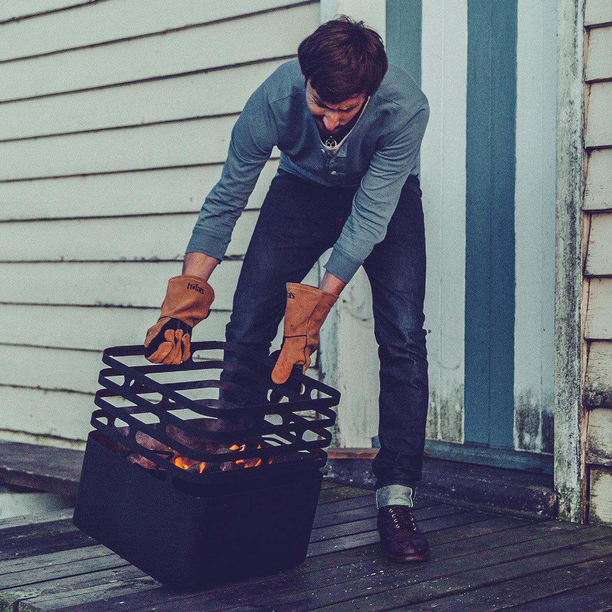 Feuerkorb cube mit auflagebrett von g rtner p tschke for Gartendeko neuheiten
