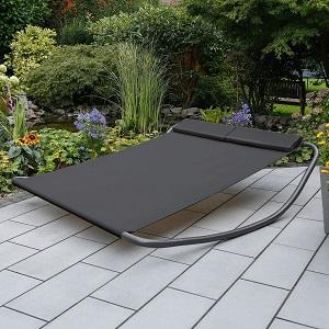 Moderne Gartenliege